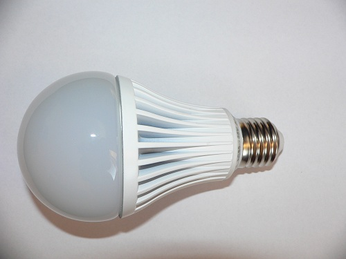 LED žárovka E27 9W teplá bílá 3000-4000K, 740lm SZ-BE2709WW